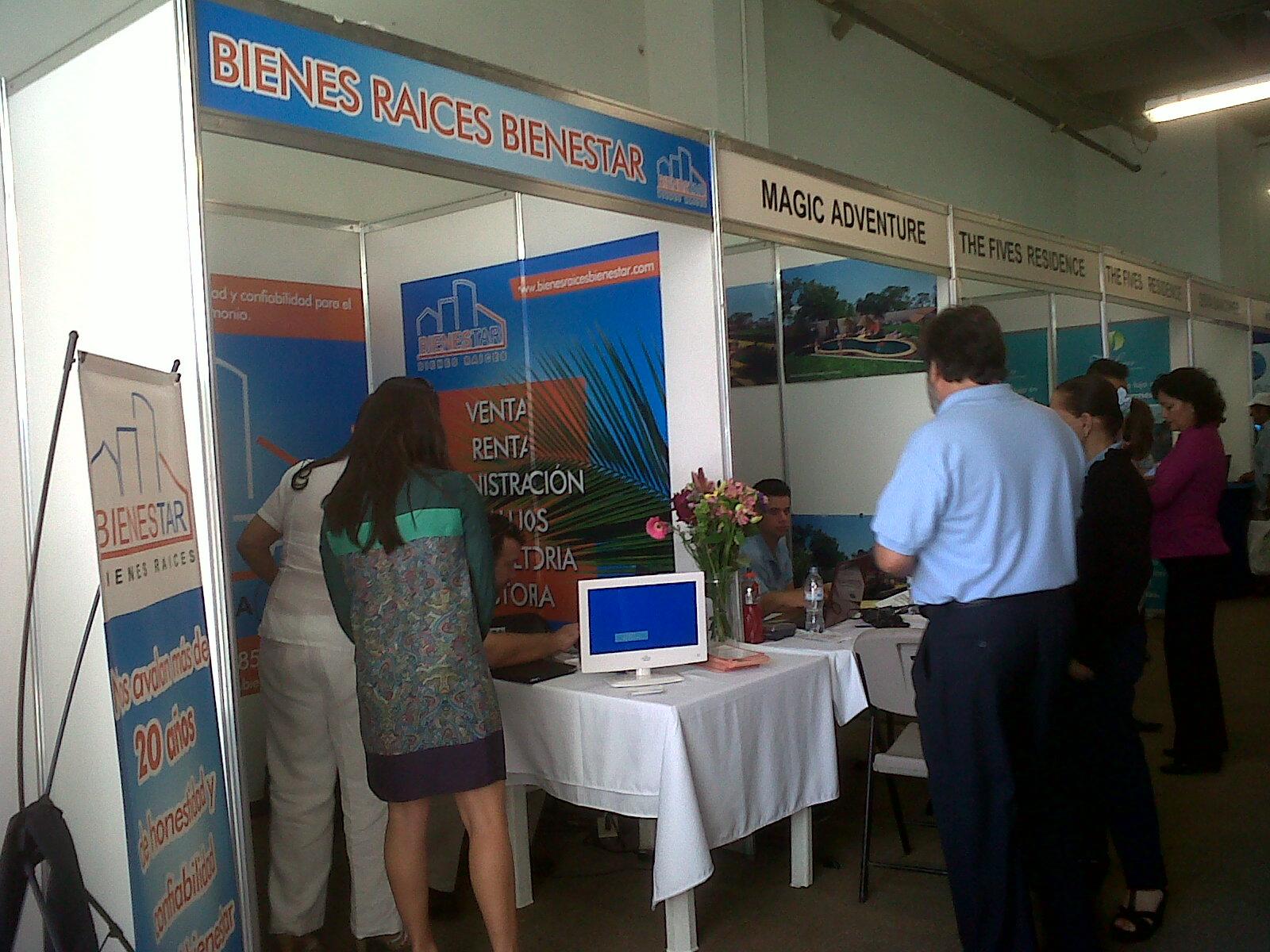 Stands Para Expo Df : Montaje de stands para expo bienes raices en b cancún